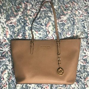❗️Limited Time Price Drop❗️Michael Kors Tote